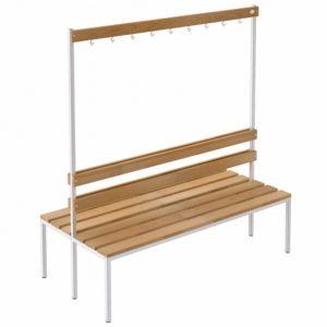 Stoły, ławki, krzesła i wieszaki